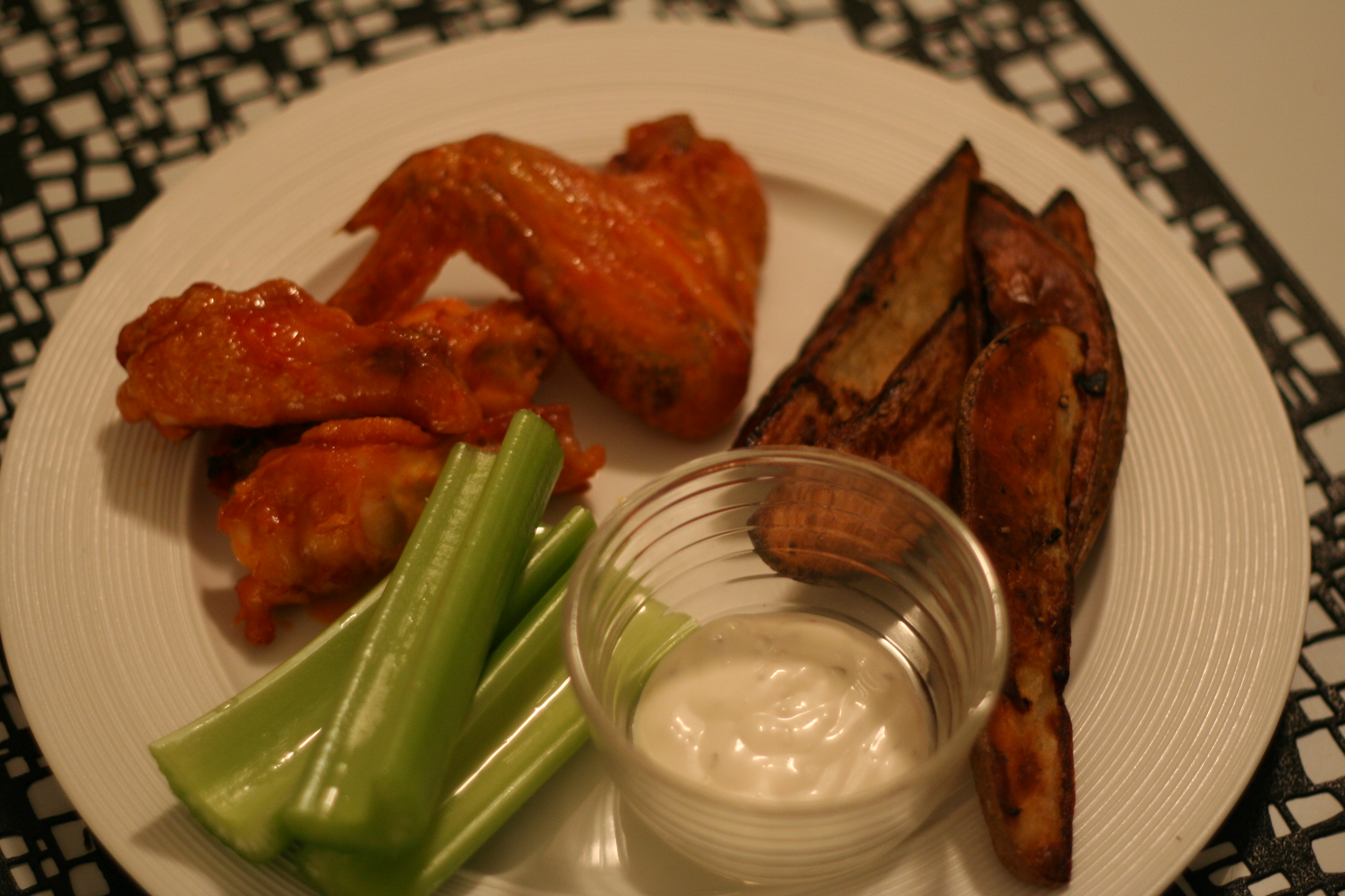 Crispy oven baked buffalo chicken wings potato wedges give me img7436 forumfinder Choice Image